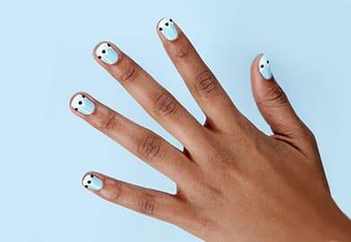 DIY An Easy, Dazzling Manicure4