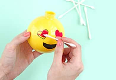 DIY Emoji Ornament3