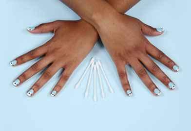DIY An Easy, Dazzling Manicure3